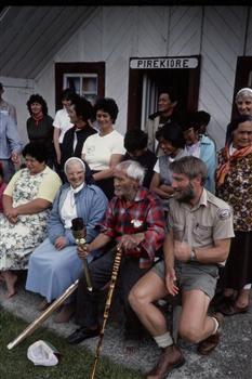 Pipiriki Marae, Whanganui River, circa 1986, Brake, Brian (1927–1988), Wanganui.