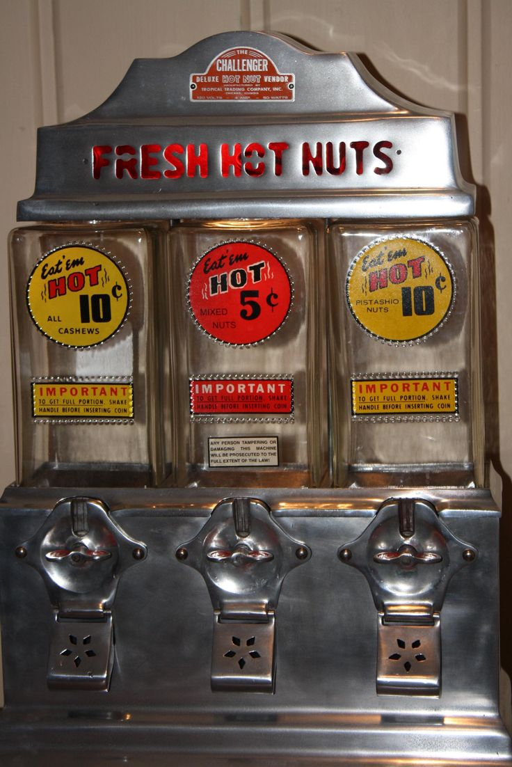 Challenger Hot Nut Coin Operated Vending Machine 1940 S