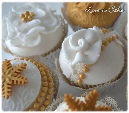 Winter Gold Wedding Cupcakes