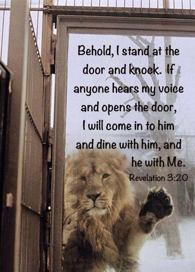 """Apocalipsis 3:20 """"He aquí, yo estoy a la puerta y llamo; si alguno oye mi voz y…"""