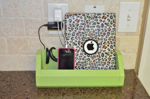 13 Phone Charging Stations That Will Finally Control All Those Cords