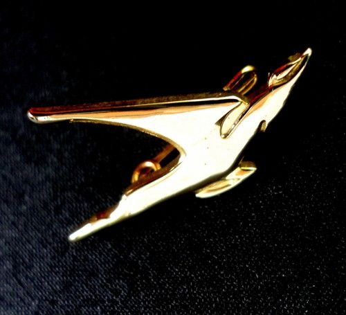 Old Logo Airline Lapel Pin South African Airways Flying Springbok Winged Antelope