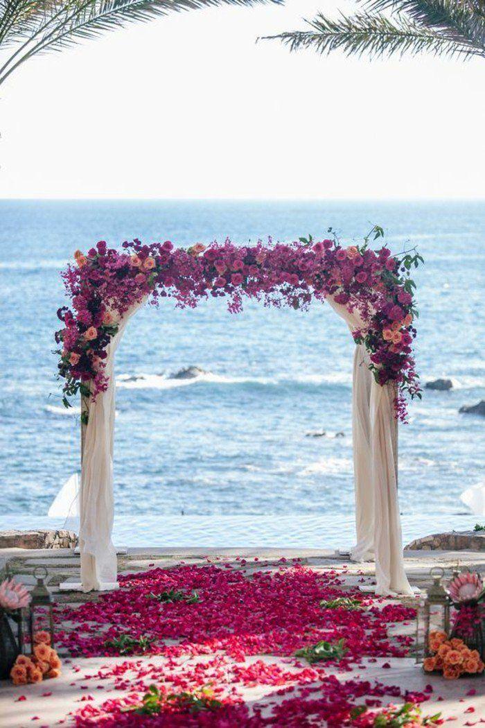 arche fleurie mariage exotique au bord de la mer
