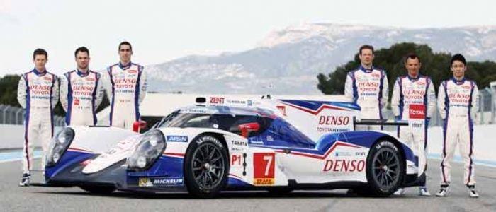 Toyota Racing presenta el TS040 Este prototipo participará en el Campeonato Mundial de Resistencia FIA 2014 con un propulsor híbrido de 1000 CV.