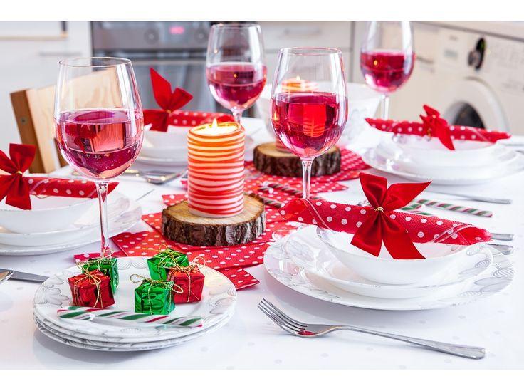 Świąteczna aranżacja stołu z Kompletem obiadowym Dream Flower 18-elementowy AMBITION http://sklep.dajar.pl/komplet-obiadowy-dream-flower-18-elementowy-ambition