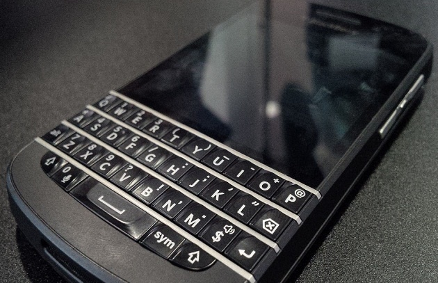 BlackBerry Q 10 : Already Started his journey from 10th January   BlackBerry Q 10 started its journey from 30th January, 2013 at the event of Blackberry 10. This one is the first mobile with physical keyboard so many people like the style. BlackBerry Q 10 has all the exclusive features of ...