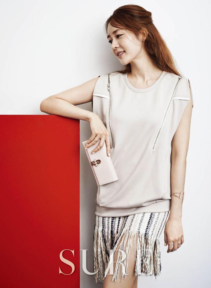 Sung Yuri in Sure April 2015 Look 4