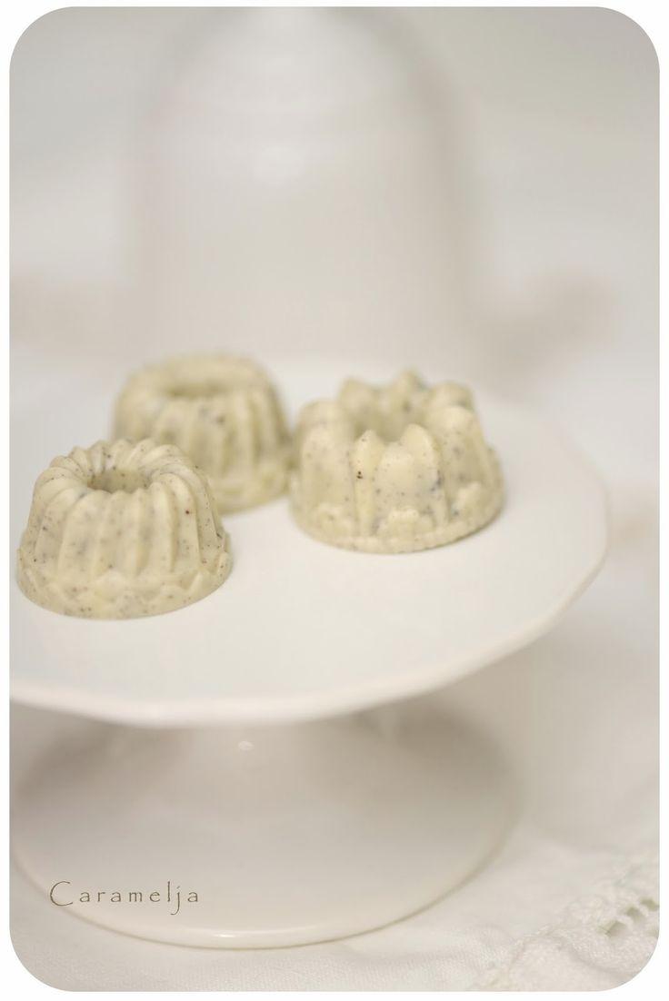 Weiße Oreo-Gugl (Schoko+Oreos)& Schoko-Karamell Sterne mit gesalzenen Erdnüssen <3