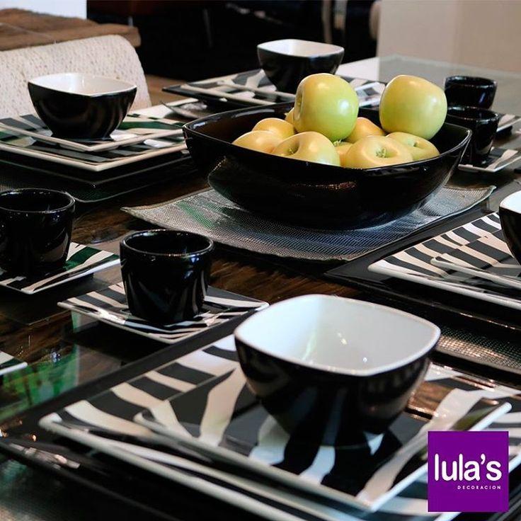 Una mesa tiene fuerza visual cuando se eligen accesorios adecuados que refuerzan la personalidad de un espacio sin perder la armonía o el buen gusto.   Pueden encontrarnos en la transversal 6 # 45-79, Patio Bonito, Medellín.   #Accesorios #Salas #Deco #Lulas.