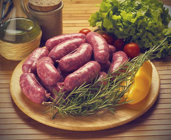 4 delicious recipes for homemade chicken sausages.
