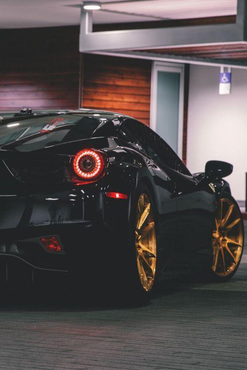 themanliness:  Ferrari 458 Italia | Source | Facebook | Instagram