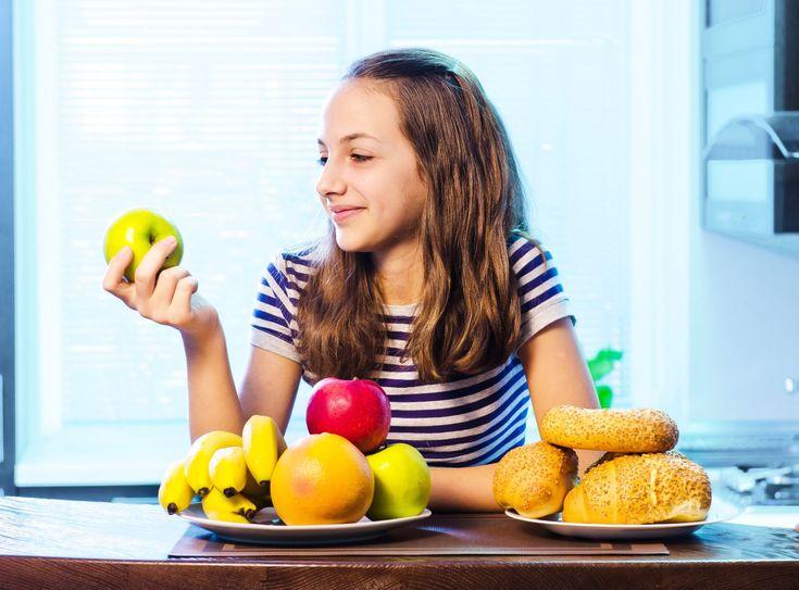 """Redes sociales ¿contribuyen sin restricciones a comercialización de alimentos """"chatarra"""" a niños y adolescentes? - http://plenilunia.com/prevencion/redes-sociales-contribuyen-sin-restricciones-a-comercializacion-de-alimentos-chatarra-a-ninos-y-adolescentes/31264/"""