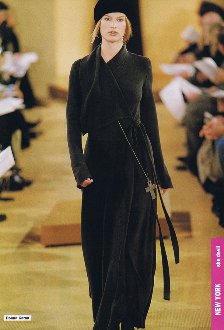 MEGHAN DOUGLAS  Donna Karan Show  A/W 1993  Top Models of the World.com