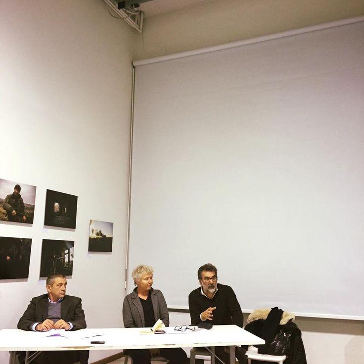 Incontro alla Fabbrica del Vapore da Polifemo, tra Renata Ferri e Carlo Verdelli. E la Ferri ci ha invitato a presentare Phom.