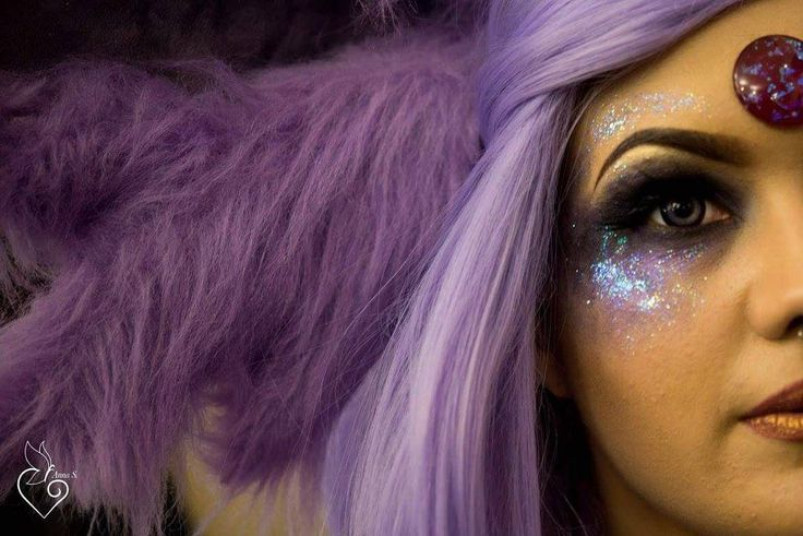 Close up shot of my Espeon make up by @annas100 of @foodandcosplay  Wearing…