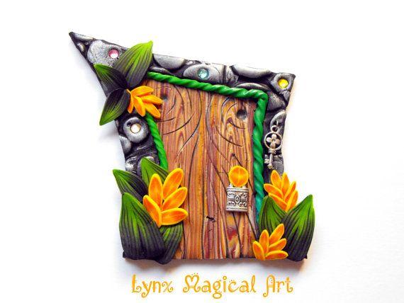Puerta de hadas, puerta magica de fantasía. Fairy door, magic door of fantasy. Handmade in polymer clay. Hecho a mano en arcilla polimérica. Etsy en https://www.etsy.com/es/listing/490873939/puerta-de-hadas-con-flores-en-espiga