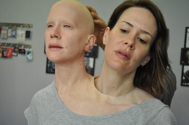 See how the amazing practical and visual effects were made for American Horror Story: Freak Show. http://www.engadget.com/2015/09/17/american-horror-story-freak-show-visual-effects/
