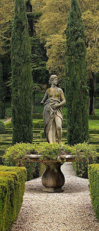 garden presence... statue