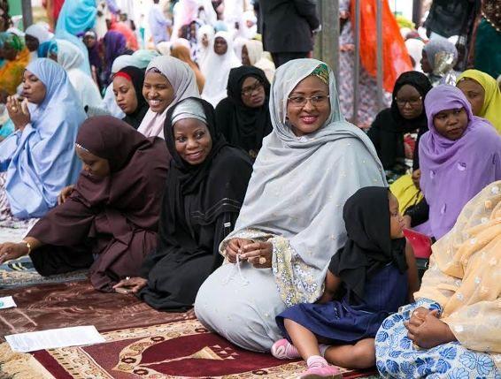 Mrs Aisha Buhari pictured praying at Eid prayer ground - http://www.thelivefeeds.com/mrs-aisha-buhari-pictured-praying-at-eid-prayer-ground/