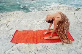 What helpful yoga tips do you need to know?  First of all, the best time of day to perform yoga is in the morning before breakfast as the mind is calm and fresh and you can move easily with vitality.  Read more @ http://goo.gl/QRuahX
