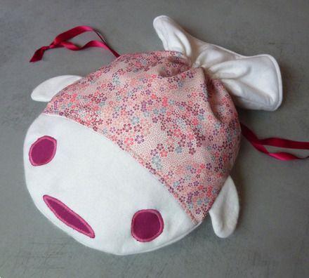 Range-pyjama poisson rose et écru fleurs de cerisier