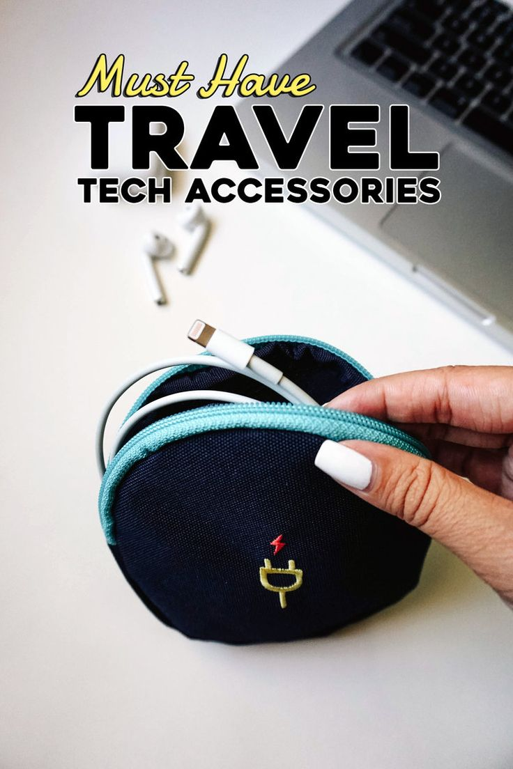 Must have travel tech accessories for your computer, camera, tablet, and smartphone. Keep your devices organized and protected when traveling! | Travel Accessories | Travel Essentials | Travel Tips | Travel Packing Guide | Travel Blogging