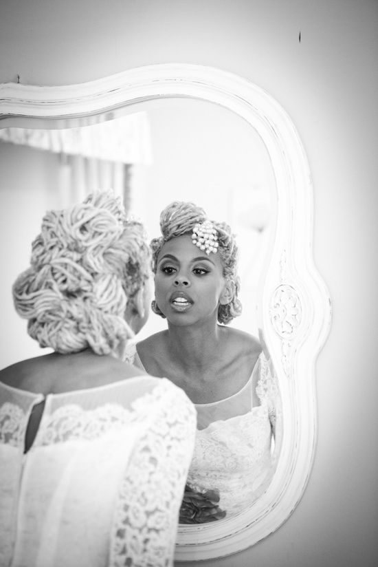 Bridal locs/dreads updo. This only makes me even MORE excited for my wedding! Oh the possibilities!