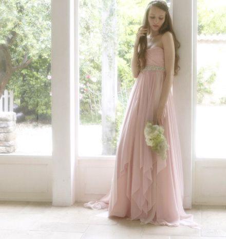 フェリーチェ・ヴィータ。ピンクのチュールの花嫁衣装・ウェディングドレスのまとめ一覧です♡