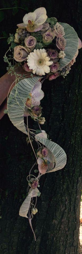 Artist Monique Vanden Berghe :: wedding bouquet