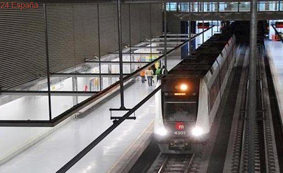 La Policía Nacional detiene a dos hombres por subir al Metro sin billetes y agredir a los agentes
