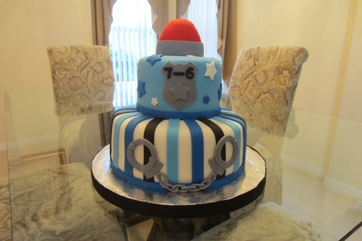 - Police Birthday Cake (fondant)