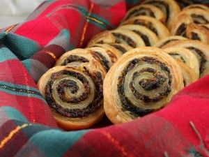 Spinach and Sundried Tomato Puff Pastry Pinwheels | Recipe Girl