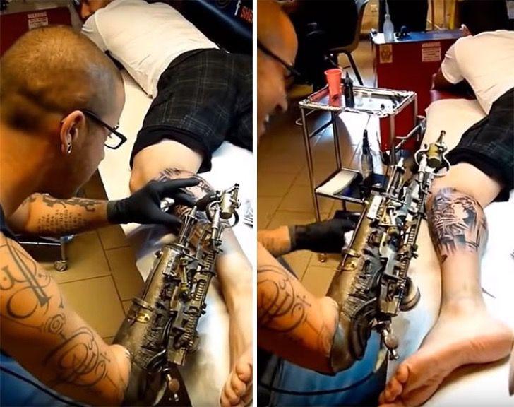 Este tatuador que perdió su brazo recibió la primera prótesis tatuadora del mundo