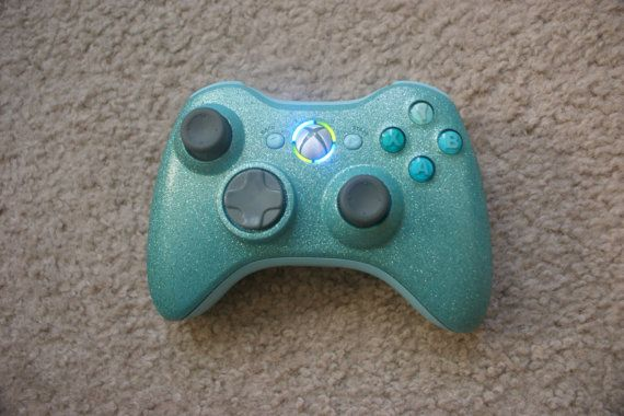 SALE custom Xbox 360 wireless game controller by Lonelystarx