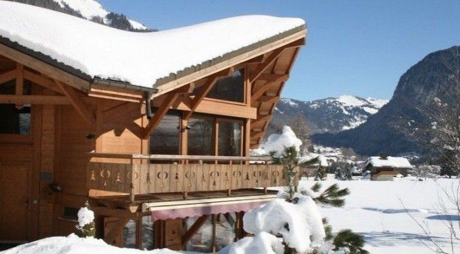 Ski this Christmas and get a free short ski break later in the year! From £580 pp to book either of two great chalets in Morzine this Christmas (sleeping 10 or 12). Every adult will then receive a 3 day free short break! | Grapevine: http://blog.muchbetteradventures.com/ski-this-christmas-and-get-a-free-short-ski-break-later-in-the-year/