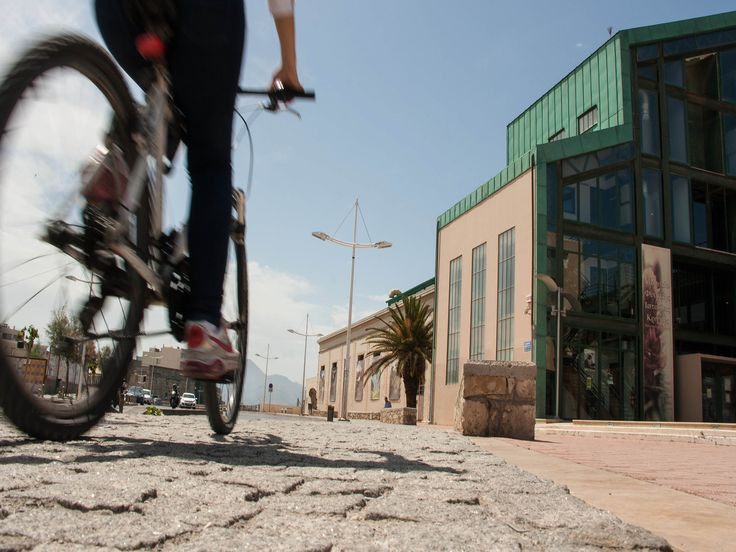 Cycling though the roads of Heraklion ... Natural History Museum - University of Crete