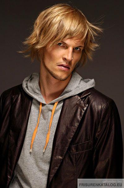 Mittellanger Herrenschnitt für mittelblondes Haar