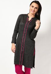 Stay warm and comfortable without compromising on style wearing this grey coloured kurta from Aurelia. This pretty kurta can be worn with woollen leggings when heading for an outing on a chilly winter day.