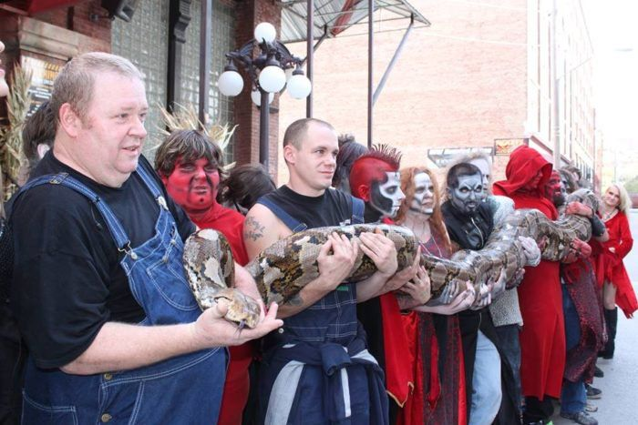 4. Visit the world's largest snake in this extremely scary haunted house.