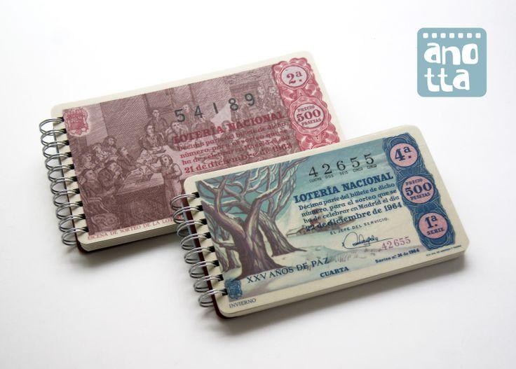 Libretas hechas a mano reciclando antiguos décimos de lotería de navidad de 1963-1964.