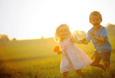 Τα παιδιά μη τα περιορίζετε σχεδιάζοντας το μέλλον τους, γιατί η αβεβαιότητα είναι πρώτος νόμος της δημιουργίας. Σε ένα διαρκώς μεταβαλλόμενο σύμπαν παίζεται συνεχώς ένα ουράνιο παιχνίδι, στο οποίο όλα είναι δυνατά, και ένα ελεύθερο πνεύμα ανά πάσα στιγμή έχει μπροστά του άπειρες επιλογές.