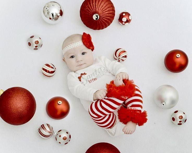 Cute Ideas for Baby's First Christmas Photos