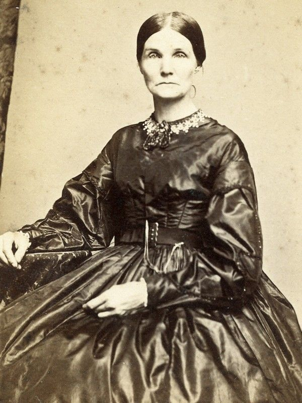 CIVIL WAR CDV STERN LOOKING LADY BY COLLINS OF WESTFIELD MASSACHUSETTS W/STAMP