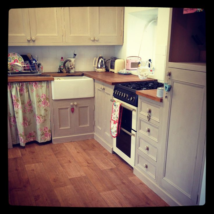 Chalk Paint For Kitchen Cabinets Uk: Small Country Kitchen Ideas