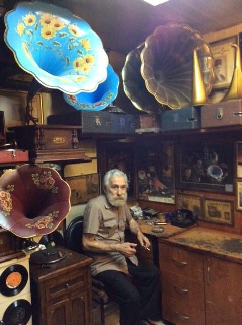Gramofoncu Mehmet Usta Grand Bazaar İstanbul By Aynur Koç