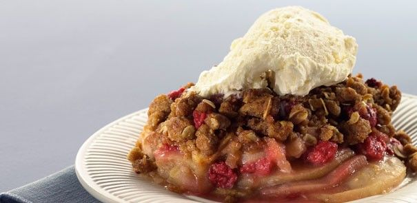 Holiday Cranberry Pear Apple Crisp - a dessert  you won't be able to resist! http://www.becel.ca/en/becel/HeartHealthyRecipes/Desserts-and-Baked-Goods/Holiday-Cranberry-Pear-Apple-Crisp.aspx
