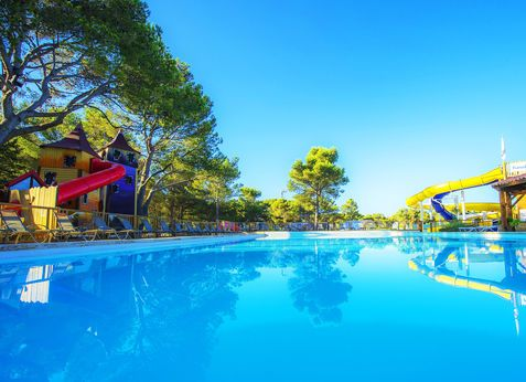 9 best vacances 2018 images on Pinterest Alps, Camping france and - camping hyeres bord de mer avec piscine