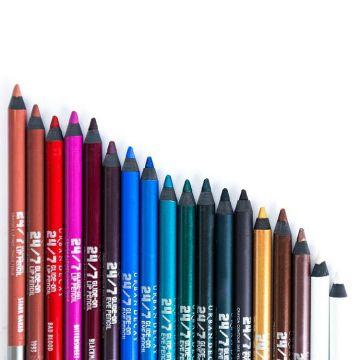 Urban Decay's 27/7 Pencil Liner is, hands down, the best eyeliner for your waterline—here's why you need it, too.