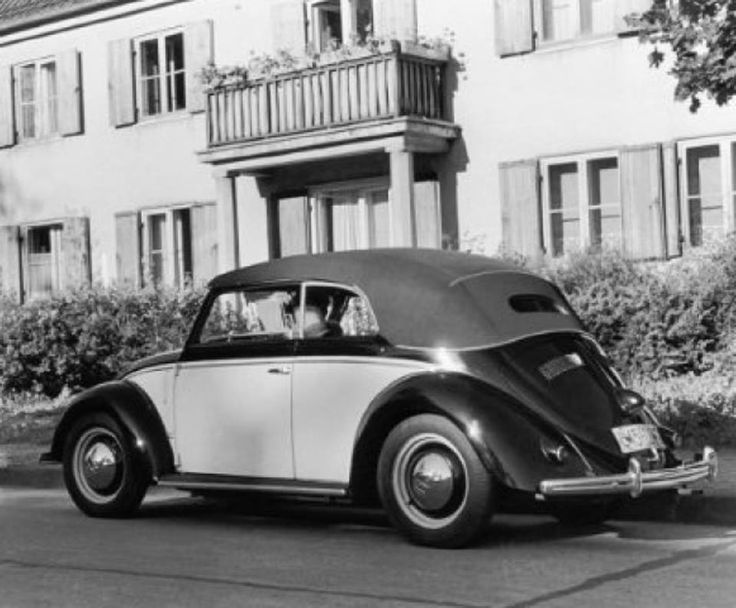 Rare photo of a pre-production Karmann.. Early 1949.. Note semaphores in front quarter panel.