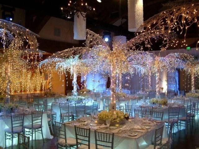 Droom je van een exclusieve winter bruiloft? Met luxe decoratie items creëer je je eigen Winter Wonderland!